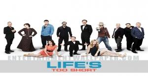 Poster banner de La vida es muy corta (Life's Too Short)